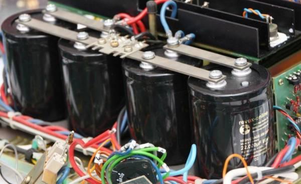 4 x Ladekondensator Siebkondensator 22000 µF 22.000 µF 80 V Capacitor Revox B740